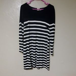 BLACK AND WHITE SAIL TO SABLE DRESS